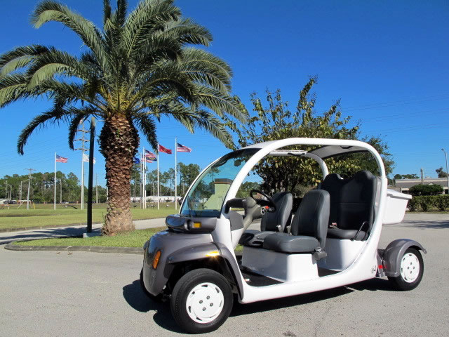 2002 Gem 4 Seater Electric Car Cart Fully 100 Street Legal On Roads With A Sd Limit Of 35mph Or Less Model Is E825 Will Do Up To 27 Mph